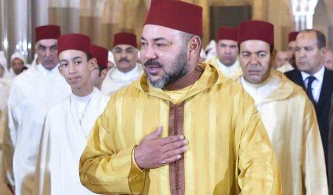الملك يستدعي مسؤولين ووزراء لاجتماع عاجل بالحسيمة