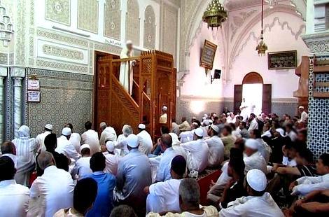وزارة الأوقاف تعفي إمامين بالحسيمة و مكناس بداعي نشر الفتنة !