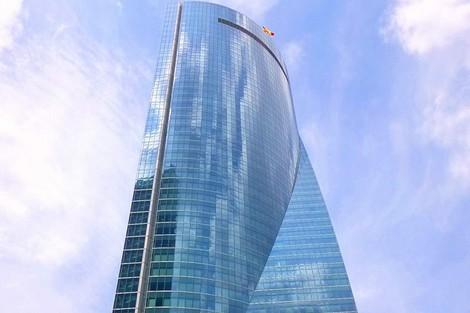 """مدريد.. إخلاء برج يضم عدة سفارات بعد """"انذار بوجود قنبلة"""""""
