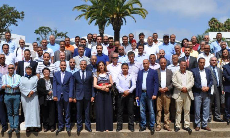 السيد عبد الرحيم الحافظي، المدير العام للمكتب الوطني للكهرباء والماء الصالح للشرب يجتمع مع مسؤولي الجمعية المغربية لمقاولات مد القنوات (AMEC) ويشاركهم الرؤية الاستراتيجية الجديدة للمكتب.