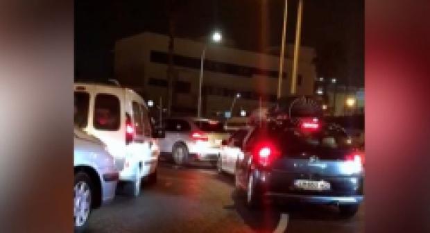 طوابير طويلة من سيارات أبناء الجالية تنتظر دخول ميناء مليلية (فيديو)