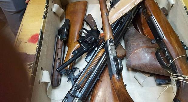عصابة بمليلية تزود مافيـا المخدرات باقليم الناظـور بالأسلحة النــارية
