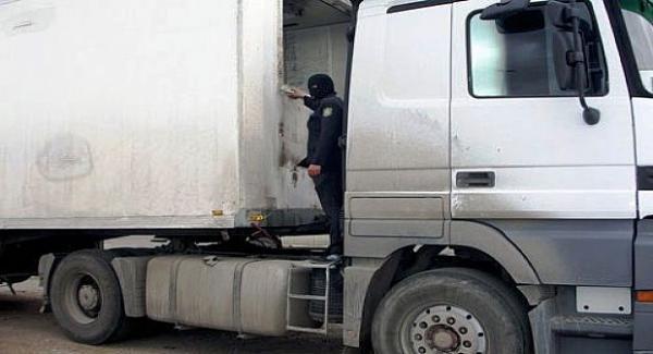 عاجل / صيد ثمين : الشرطة القضائية بالناظور تحجز أكثر من 3  أطنان من مخدر الشيرا و تعتقل شخصين بتازيغين اقليم الدريوش
