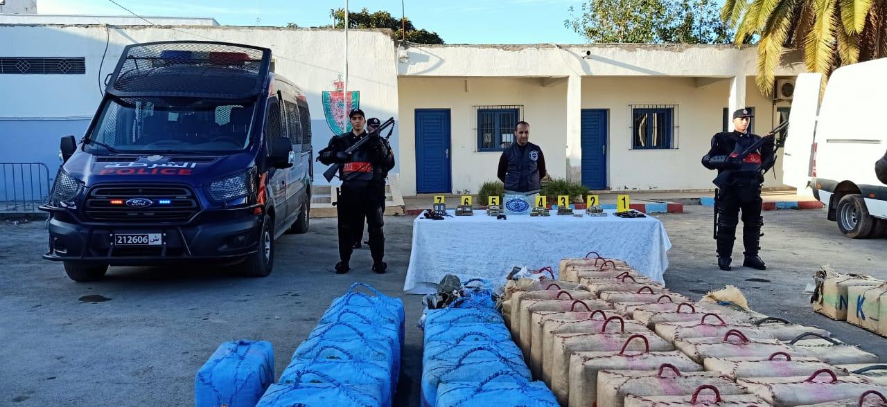 الناظور .. بالصور / إجهاض محاولة للتهريب الدولي للمخدرات وحجز قرابة أربعة أطنان من مخدر الشيرا