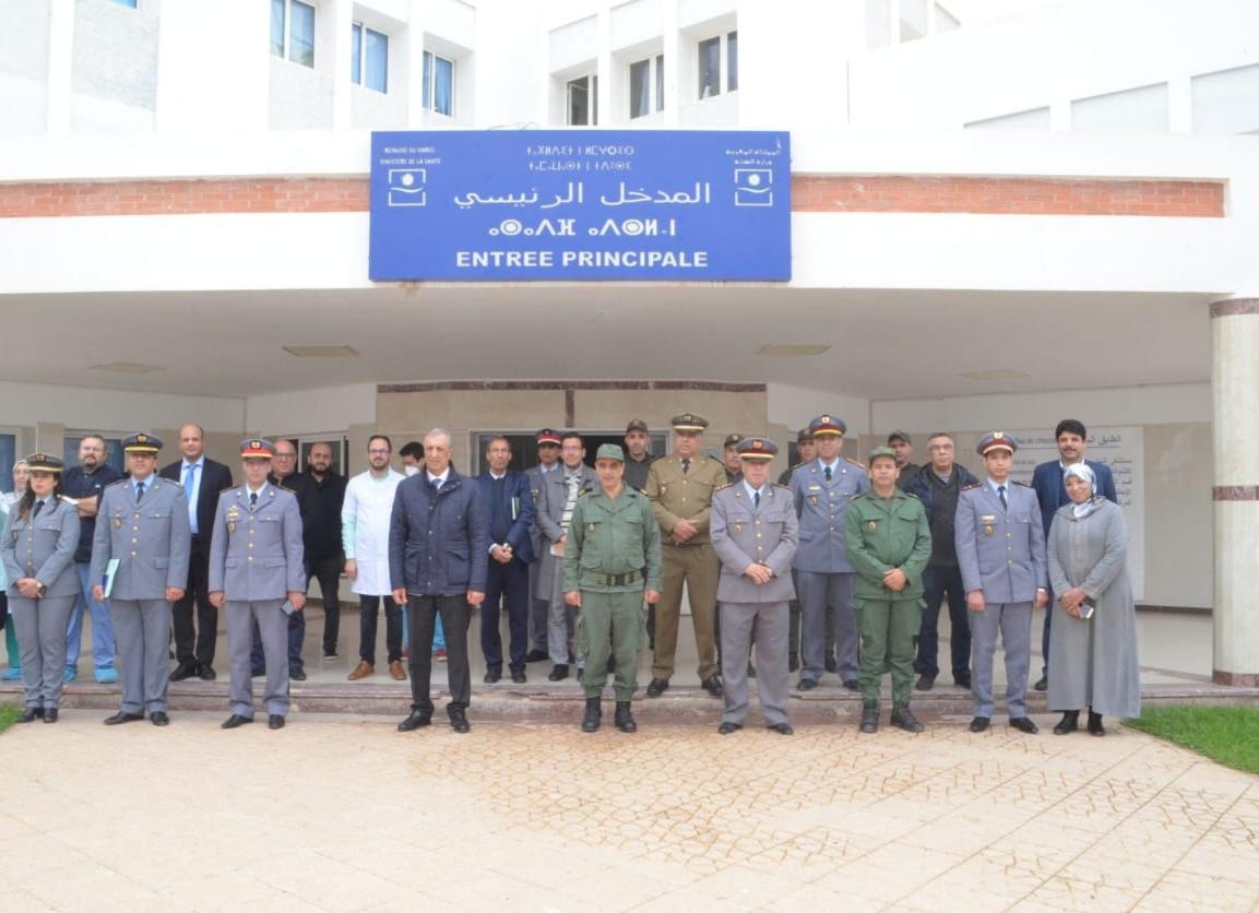 عامل إقليم الحسيمة يحل بالمستشفى الإقليمي بالحسيمة  لزيارة    أطباء عسكريين لتعزيز حالة الطوارئ الصحية