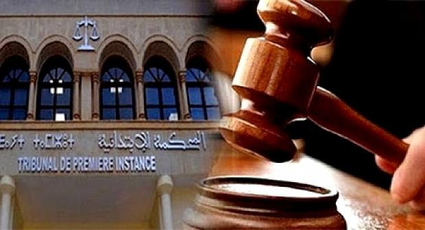 عناصر الدرك الملكي تخرج قاضيا بالقوة من المحكمة بالدريوش