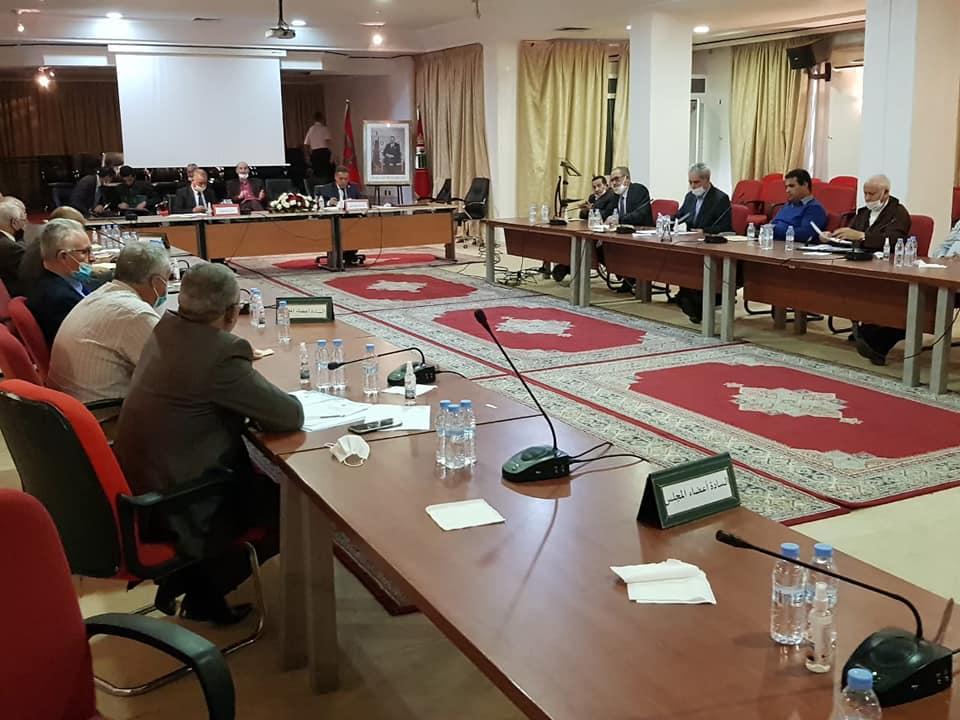 المجلس الاقليمي للناظور يعقد دورة استثنائية لتدارس أمور عدة منها تعبئة اعتمادات مالية لاستكمال بناء القاعة المغطاة بازغنغان