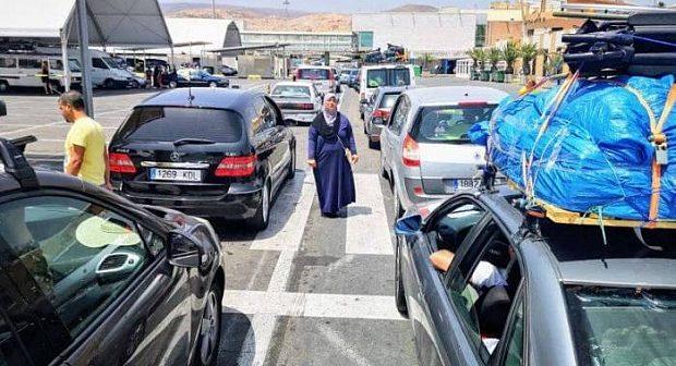 """وزيرة: ترقب""""عملية استثنائية كبرى"""" لاستقبال مغاربة العالم في الصيف"""