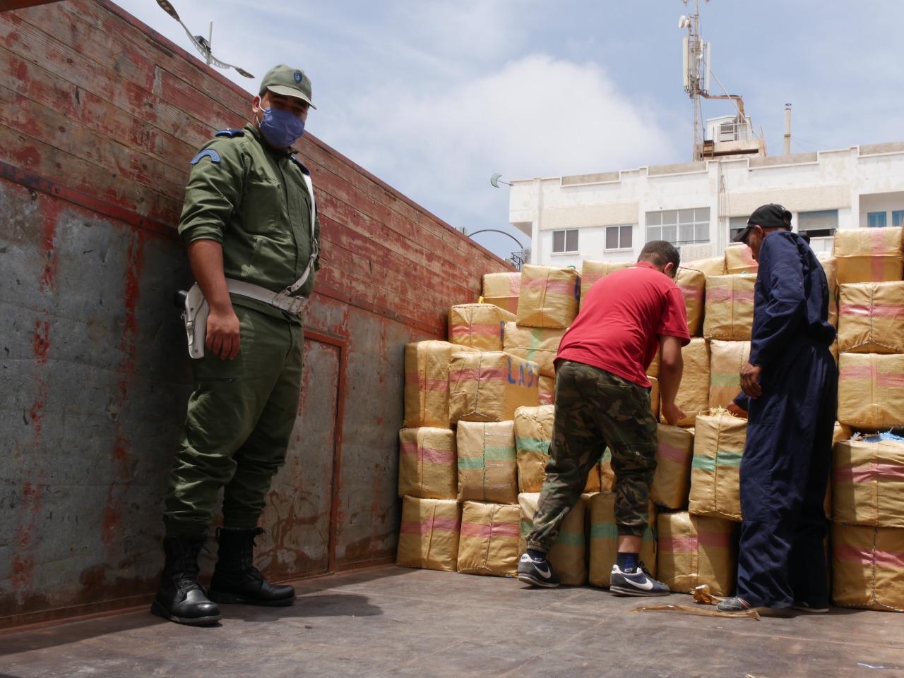 صور+ فيديوا ... جمارك الناظور تتلف محجوزات المخدرات والكوكايين بقيمة أزيد من 16 مليار سنتيم