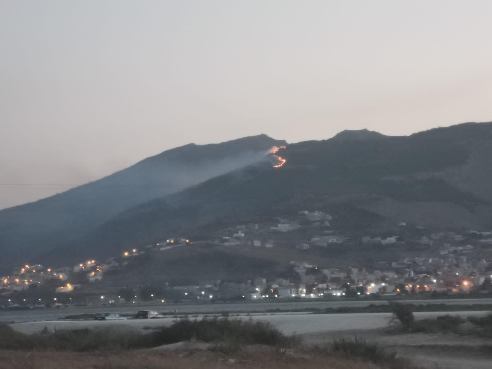بالصور: حريق بغابة كوروكو يأتي على مساحة مهمة من الأشجار