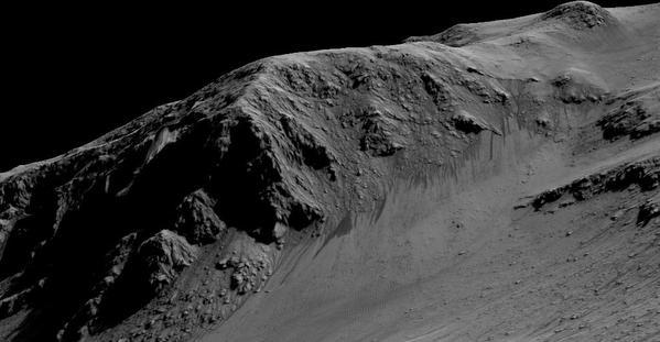 """اكتشاف مياه على المريخ بحسب """"ناسا"""" (فيديو وصور)"""
