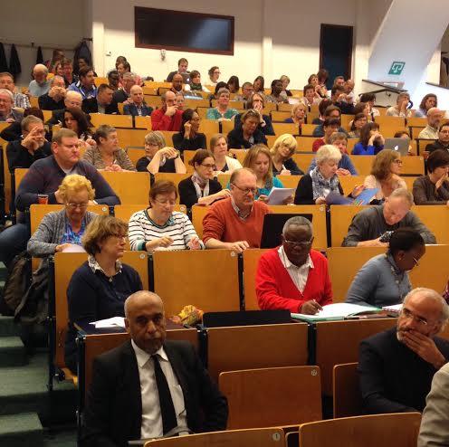 جامعة لوفان الكاثوليكية تنظم ندوة مهمة حول تحديات العيش المشترك بين الديانات في المدارس البلجيكية.