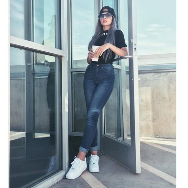 صور أول عارضة أزياء سعودية حلمي أصبح واقعاً