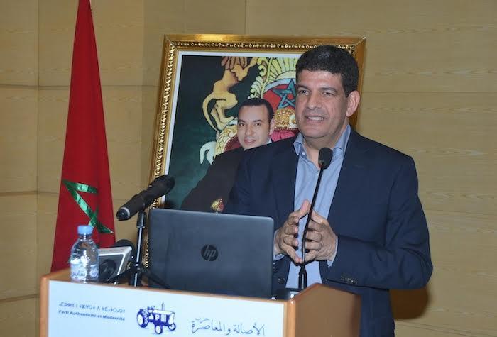 مصطفى بكوري: لا يعقل أن نتوفر على حكومة بأربعين وزيرا
