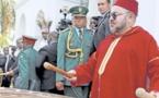 الملك محمد السادس يدق على الطبل في مشهد نادر وغير مسبوق