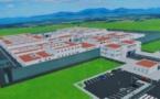 عامل اقليم بركان يتفقد ورشي بناء المقر الجديد للسجن المحلي ومدرسة التكوين في كرة