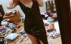 فتاة تنشر صورتها بفستان مثير إلا أن غرفة نومها أثارت الجميع