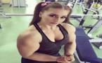 شاهد شبيهة باربي مفتولة العضلات تجتاح مواقع التواصل الاجتماعي