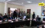 شاهد لحظة إنسحاب رئيس بلدية الدريوش من الدورة العادية دون إكمال مناقشة جميع النقط