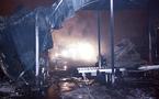 حريق مهول يشب بمصنع للأفرشة الأسفنجية بمكناس دون أن يخلف إصابات أو خسائر في الأرواح
