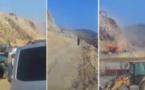 فيديو | انهيار صخري يقطع الطريق بين الحسيمة و الدريوش و يترك مسافرين عالقين !