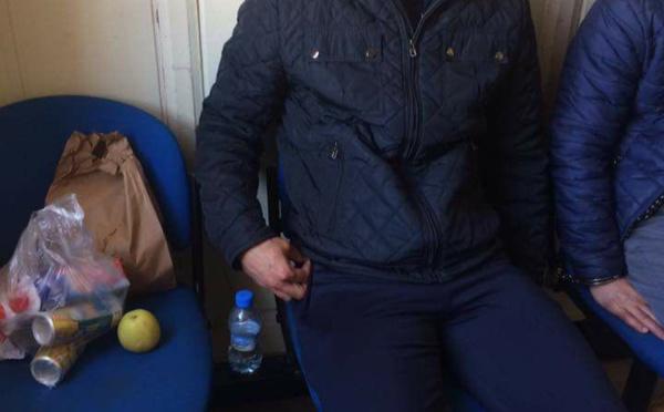 """إعتقال الناشط الريفي """"ابراهيم بوخيزوا"""" قبل قليل بوجدة داخل فندق ...وهذه هي التفاصيل"""